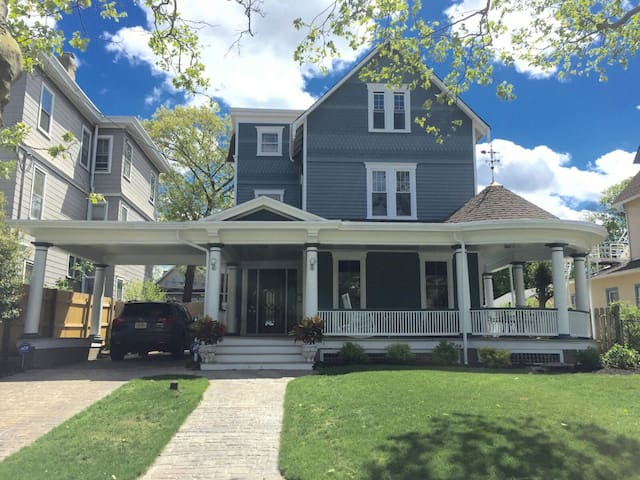 Large Family Victorian Beach House - Asbury Park - Haus