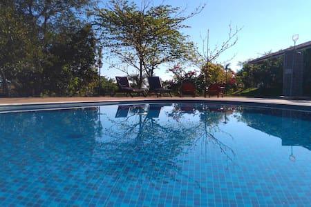 Belíssima Chácara com piscina Tatui-SP