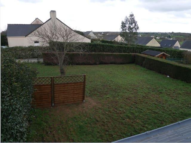 Maison individuelle avec jardin - Petit-Mars