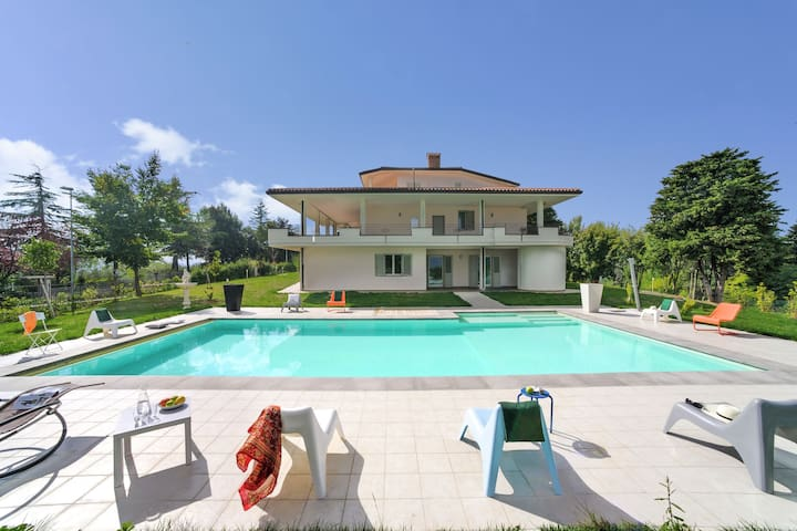 Beautiful Apartment with Pool on an Estate in Tavullia