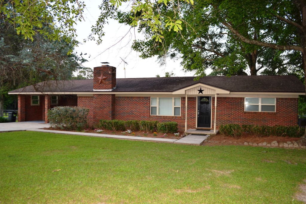 "Beautifully maintained brick ranch with that ""I am home"" feeling"