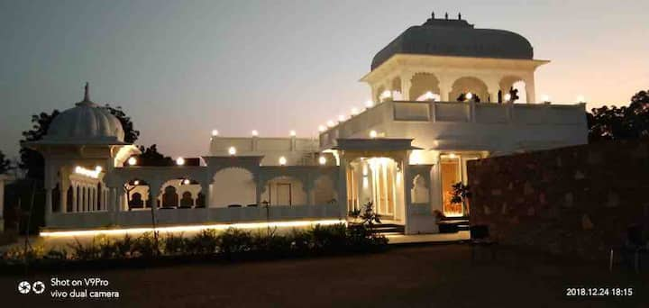 Veer Garh Farms 8 Luxury Tent Cottages
