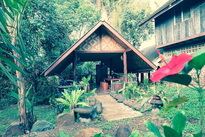 Bungalow with Silver Cliff View - Khlong Sok