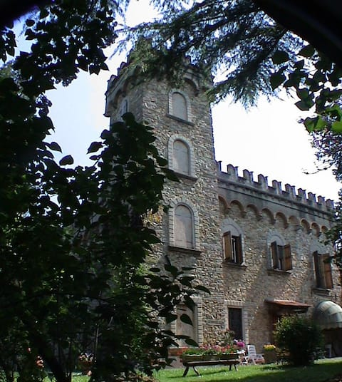 Soggiorna in un castello alle porte di Firenze