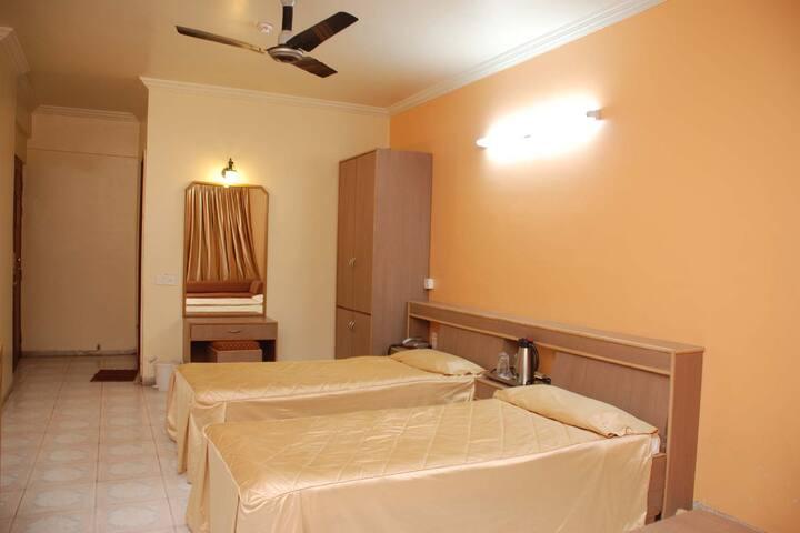 Hotel Rutugandh Heritage , Deccan Gymkhana , Pune
