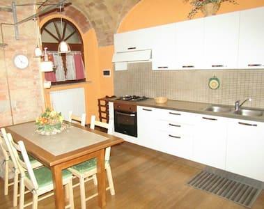 Casa Mascagni 51 - Pomarance - Apartamento