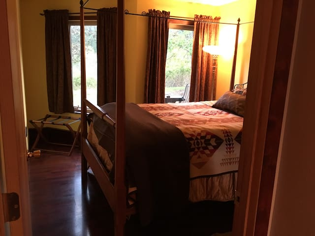 Wine Country 2 BR/1BA Suite Retreat - Gaston - House