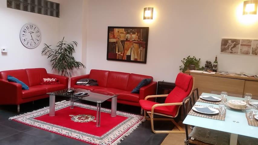 Logement entier (appartement 2 ch) - Eupen - Leilighet