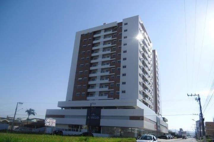 Quarto em apartamento - Bairro Pagani - Palhoça - Palhoça - Apartemen