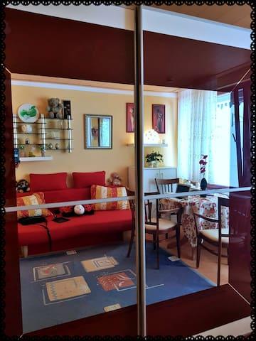 Der große Spiegelschrank