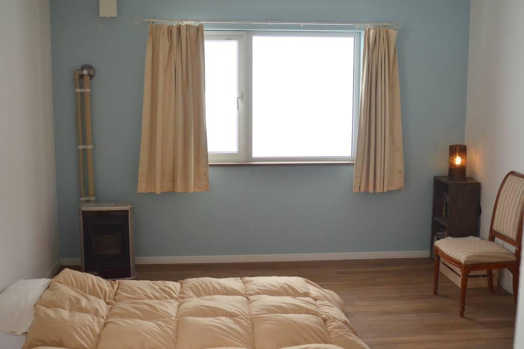 ゲストルーム1階(1~2名利用)のお部屋です。