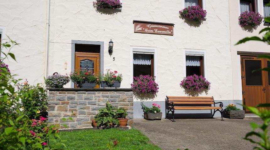 """Ferien """"beim Ewermilla"""" in Pommern an der Mosel"""