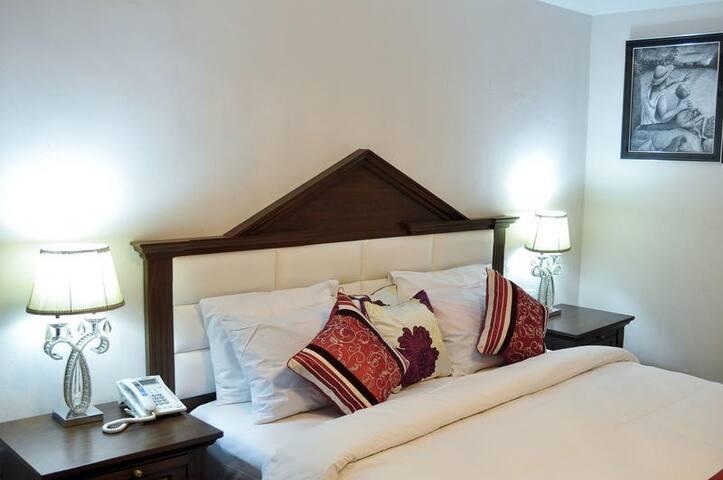 Caledonian Suites-Superior Deluxe