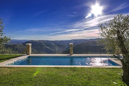Villa Zamask with breathtaking view and Pool - Zamask