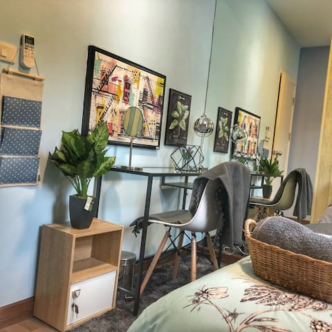 Bedroom2 : woking table