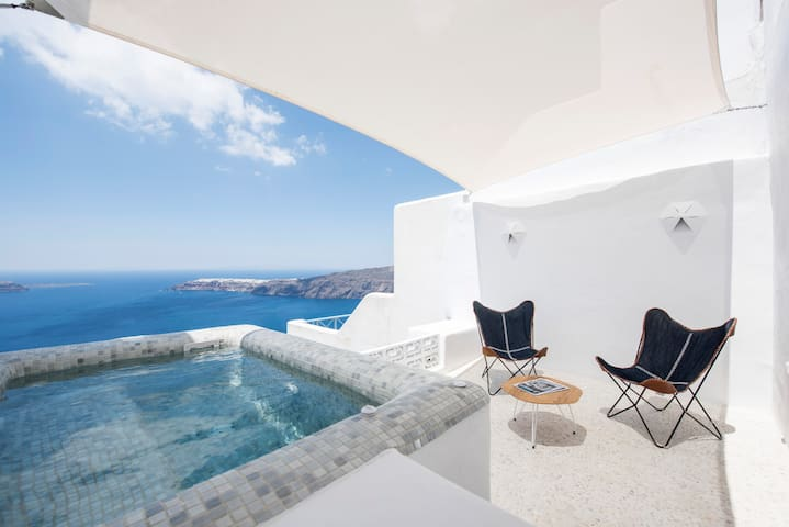 The 'seascape' villa with Jacuzzi