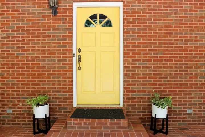 THE LUXE YELLOW DOOR