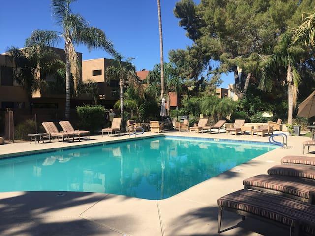 Scottsdale Retreat - Modern condo in Old Town
