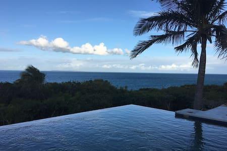 Casa Blu - Villa with Panoramic Ocean Views