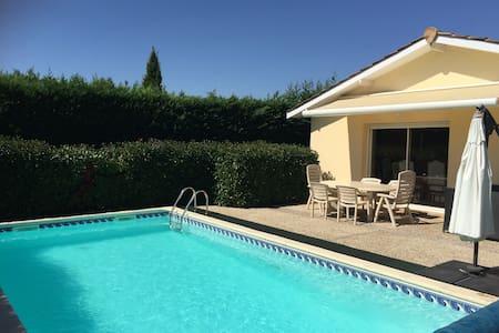 Villa (175m²) dont piscine & garage 14km/ Bordeaux