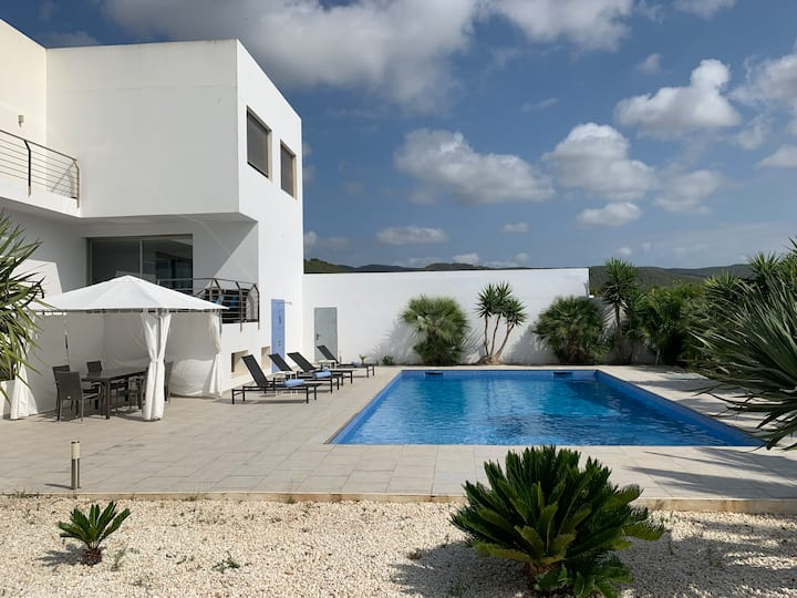 LUXURY VILLA IN SAN JORDI NEAR TO AIRPORT/SALINAS