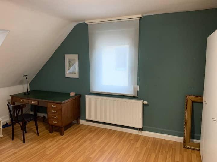 ruhiges schönes Zimmer in Asperg bei Ludwigsburg