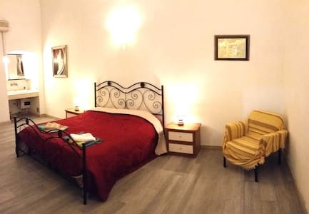 Top position, classy flat by old town a/c, wifi