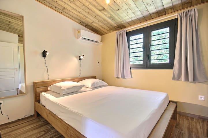 Chambre double avec lit 160