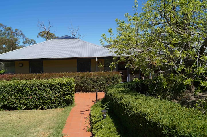 Stradbroke Lodge - Arcadia - Apartment