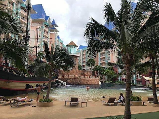 Grande Caribbean Condo Resort Pattaya byFavstay芭堤雅