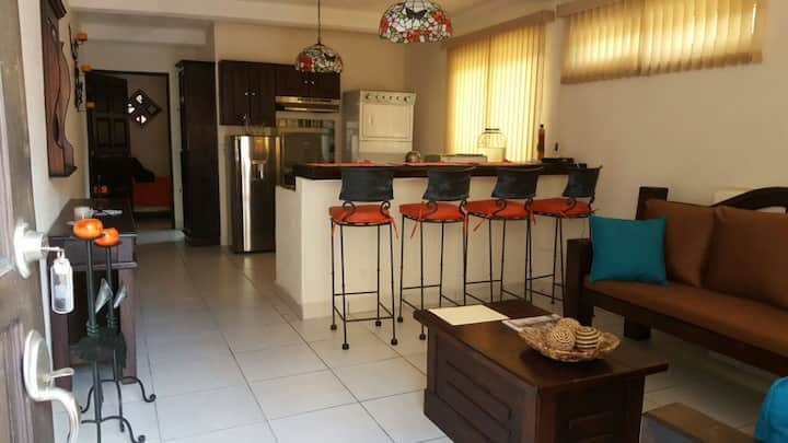 Independent apartment 5 mins away from Antigua