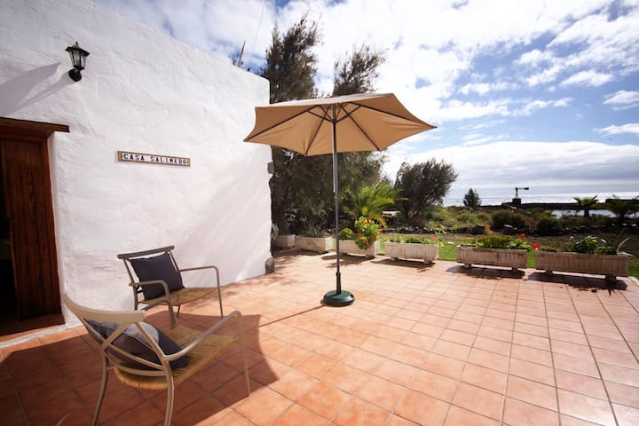 Casa Salinero cottage by the sea