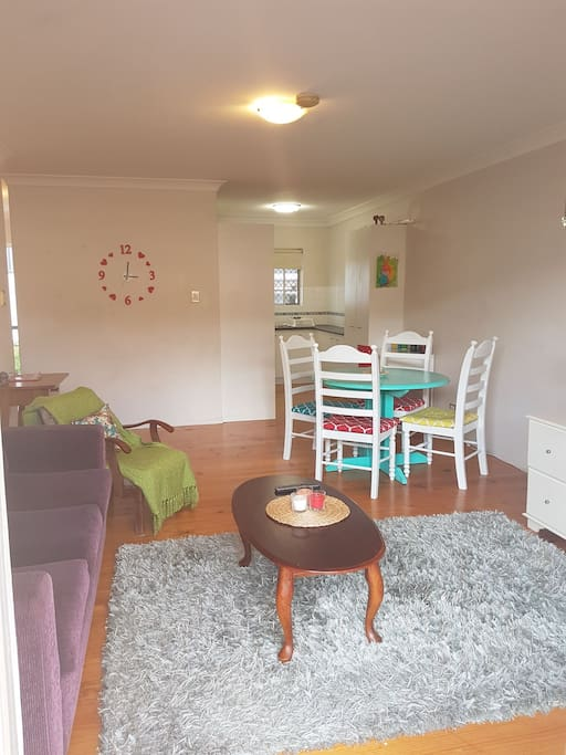Le City View Entire 2 Bedroom Unit Apartments For Rent In Lutwyche Queensland Australia