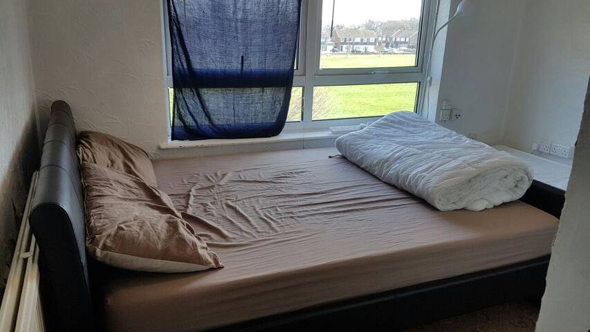 Affordable room 25mins from oxford st. - Enfield - Wohnung