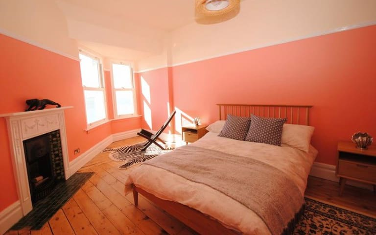 Sea View Apartment Next To Beach/Theatre - Southend-on-Sea - Apartamento