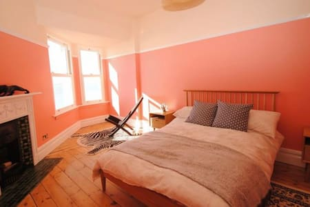 Sea View Apartment Next To Beach/Theatre - Southend-on-Sea