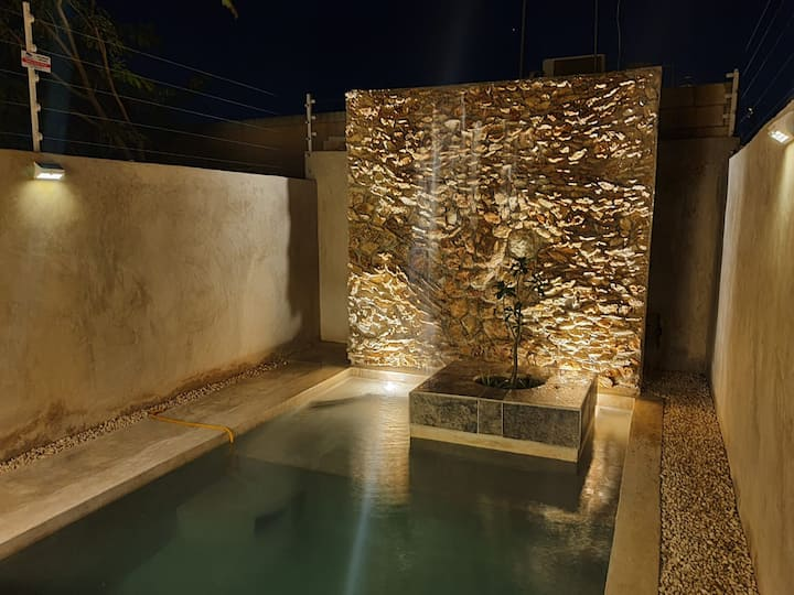 Casa Mayab Mid.  Alberca con cascada