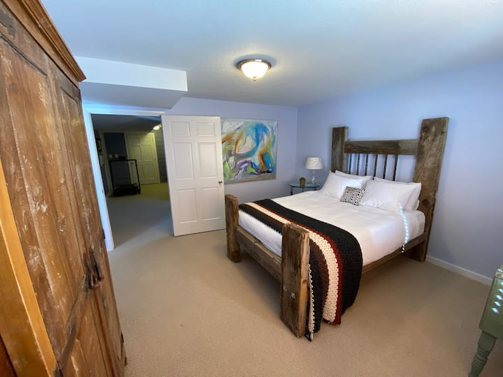 """Quiet stay & patio in """"Swiss"""" Midway by Park City"""