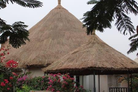Villa bord de mer (50 m de la plage ) - Saly