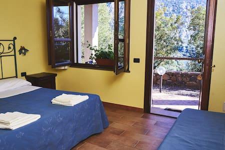 La Sardegna è quì - Dorgali - Bed & Breakfast