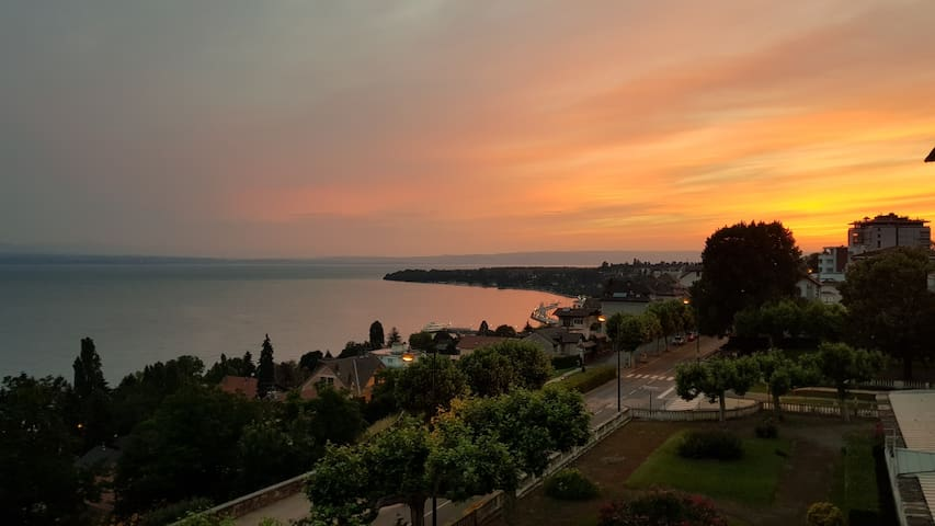 Spacious flat with a stunning view on the lake