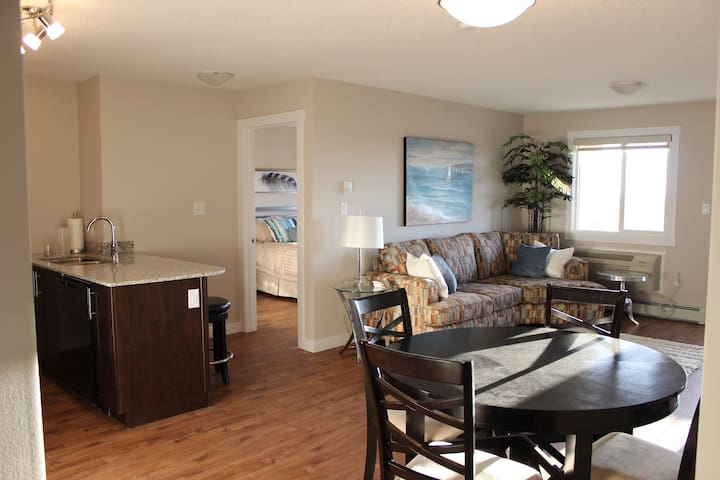 2 Bedroom Executive Suite Westside of Edmonton - Edmonton - Apartmen