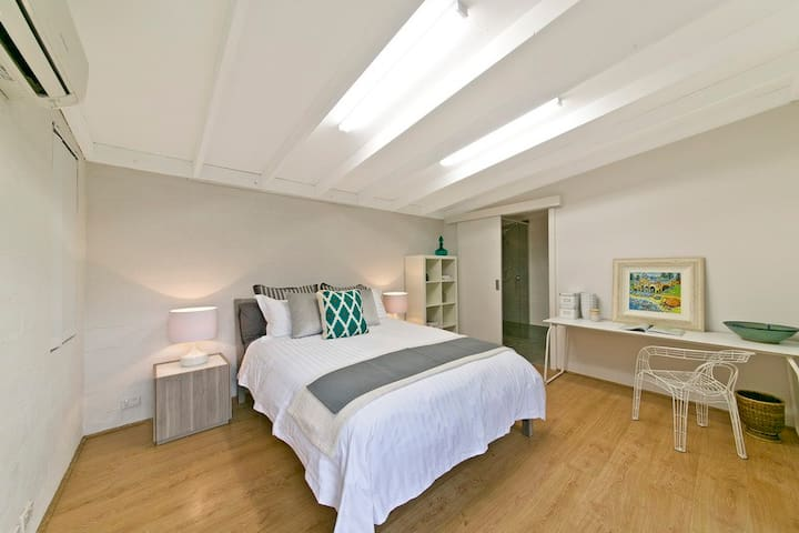 Charming Cottesloe Studio - Cottesloe - Guesthouse