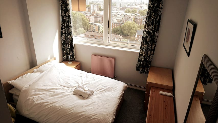 Double room by Shoreditch. Great London views.