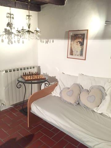 Joli apt à Bagnaia, Viterbo & Wifi