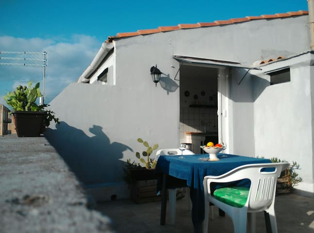 terrazzo ortigia house with free parking - Siracusa - House