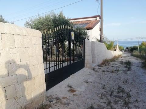Grazioso appartamento di fronte al mare