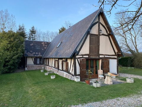 Nice 3BR home in BOSGOUET, 1h15 from Paris w WIFI.