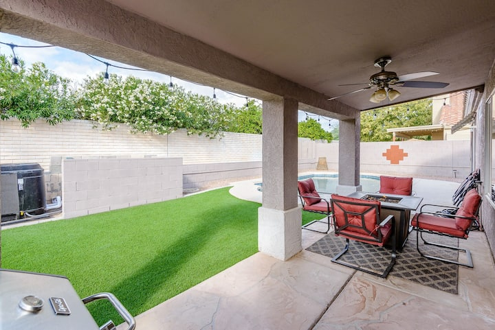 Clean heated pool home near Cardinals Stadium