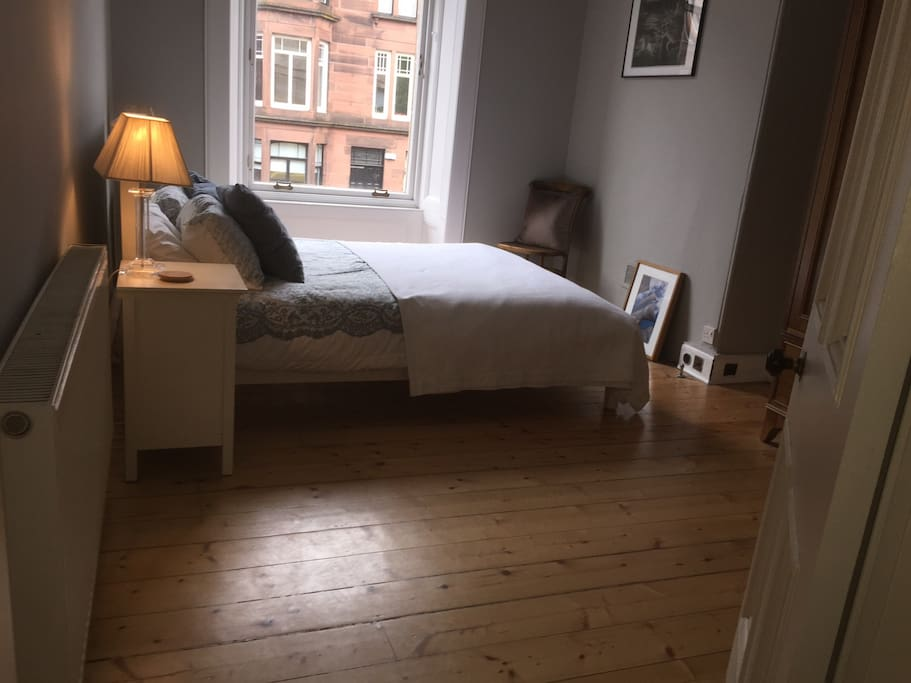 Another shot of bedroom